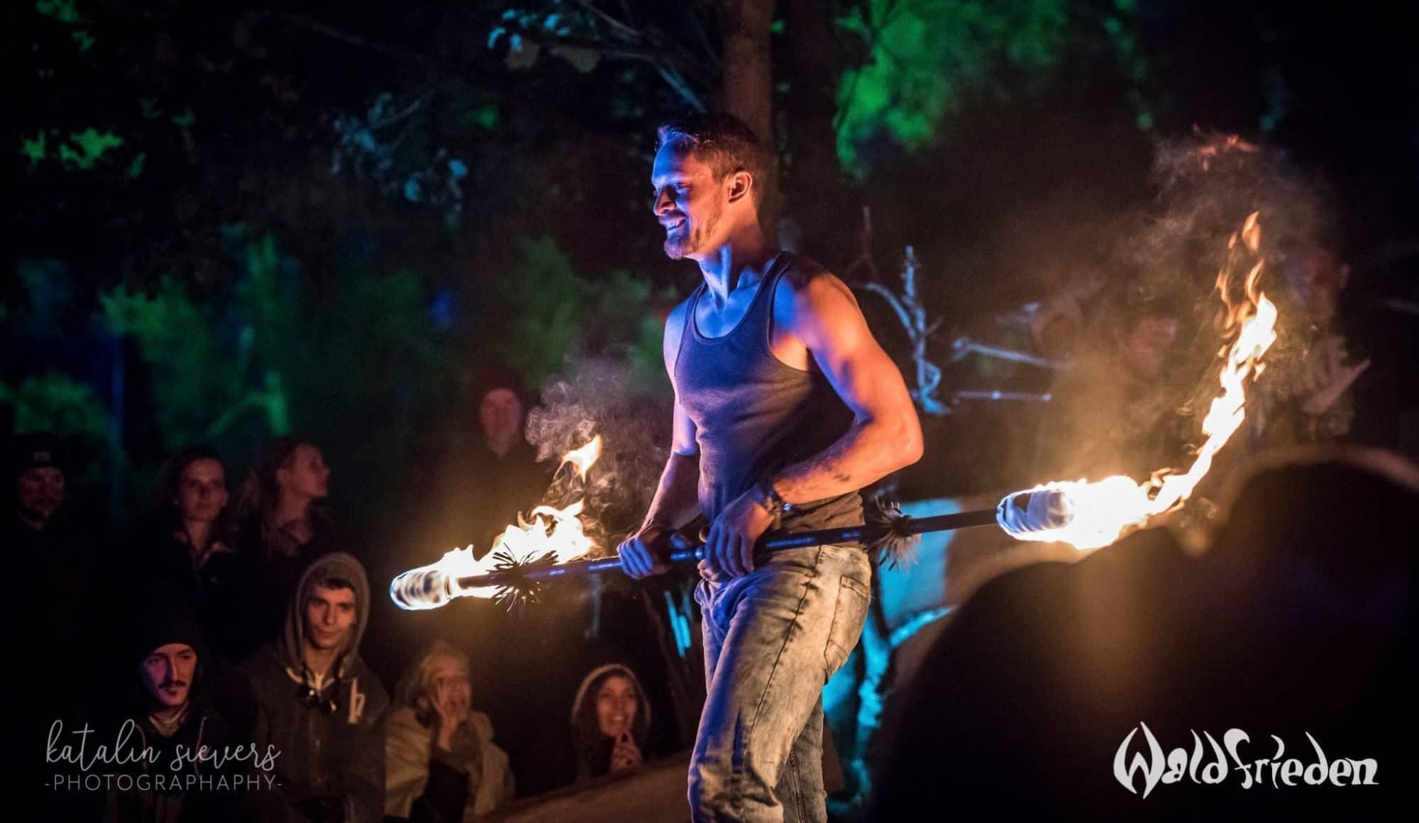 Auftritt von Yoran Heij bei Wonderland Waldfrieden Festival 2018