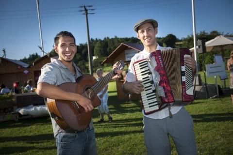 Akkordeon und Gitarre  Duo (1)