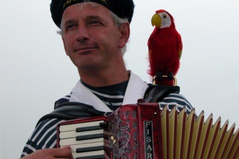 Akkordeonist und Entertainer aus dem Westen  (1)
