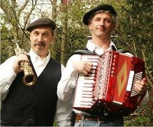 Akkordeonist und Entertainer aus dem Westen  (2)