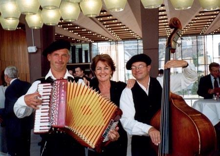 Akkordeonist und Entertainer aus dem Westen  (3)