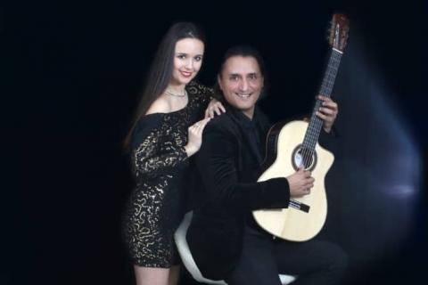 Akustik-Gesang-und-Gitarren-Duo-3