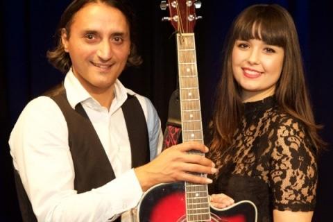 Akustik-Gesang-und-Gitarren-Duo-5