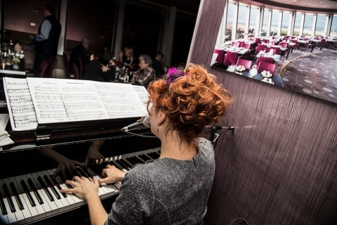 Barpianistin und Sängerin Berlin (3)