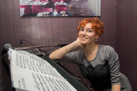 Barpianistin und Sängerin Berlin (5)