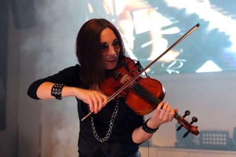 Bezaubernde-Violinistin-Marta-2019-2