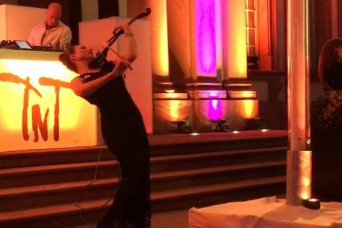 Bezaubernde Violinistin Marta (3)