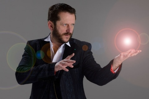 Comedy-Zauberei-der-Gentleman-Zauberer-zum-Totlachen-2