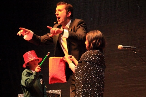 Comedy-Zauberei-der-Gentleman-Zauberer-zum-Totlachen-3