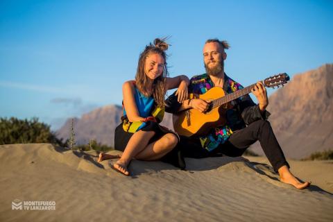 Das-gefühlvolle-Musiker-Duo-von-Lanzarote-1