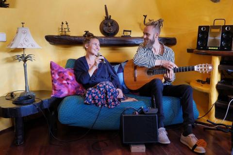 Das-gefühlvolle-Musiker-Duo-von-Lanzarote-10