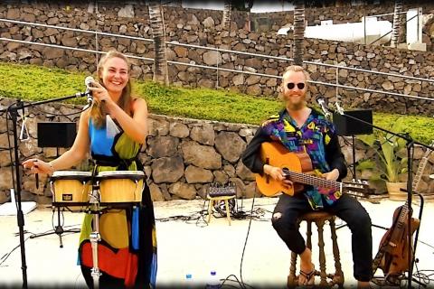 Das-gefühlvolle-Musiker-Duo-von-Lanzarote-6