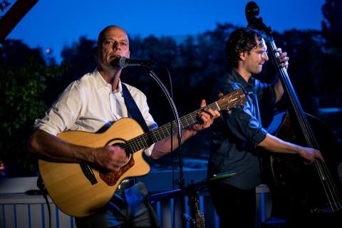 Das-harmonische-Akustik-Duo-aus-Frankfurt-6
