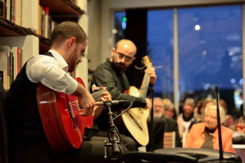 Das-spanische-Gitarrenduo-aus-Koeln-1