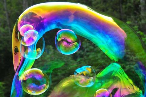 Der-erstaunliche-Wiener-Bubble-Kuenstler-9