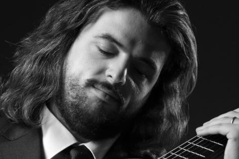 Der-klassische-Gitarrist-aus-Berlin-4