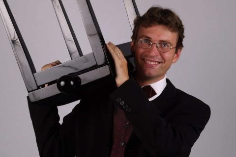 Der Pianist mit Miniflügel (4)