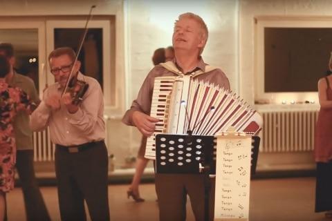 Der singende Akkordeonist Norddeutschland (7)