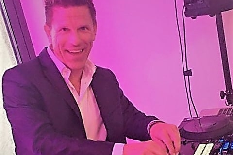 Der singende DJ und Gitarrist aus Frankfurt (6)