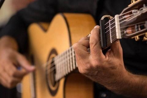 Der-spanische-Gitarrist-aus-Bremen-7