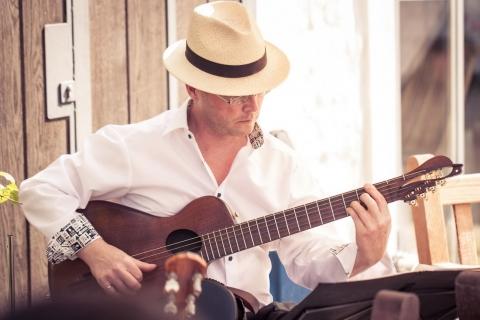 Der Vielsaitige Gitarrist Leipzig (4)
