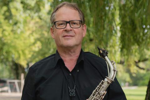 Der-vielseitige-Event-Saxophonist-2