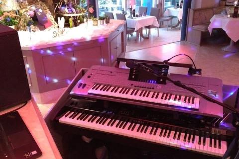 Der-vielseitige-Pianist-und-Sänger-aus-Dresden-4