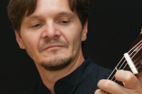 Der-virtuose-Instrumentalgitarrist-3