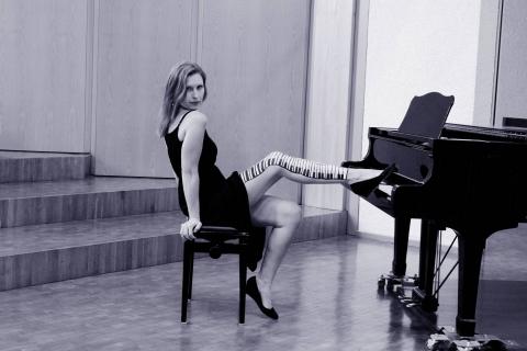 Die-Allround-Pianistin-aus-Wiesbaden-2
