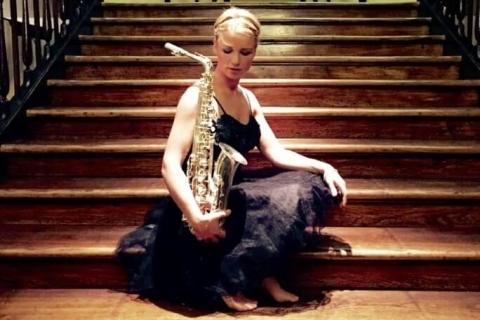 Die temperamentvolle Saxophonistin (10)