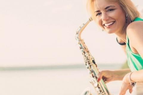 Die temperamentvolle Saxophonistin (5)