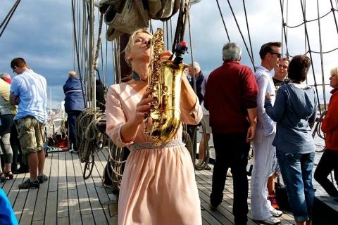 Die temperamentvolle Saxophonistin (7)