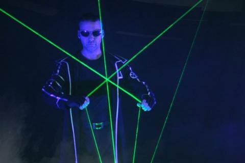 Die-erstaunliche-Lasershow-aus-Berlin-4