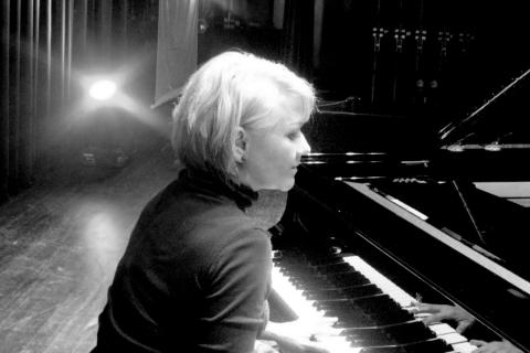 Die-Event-Pianistin-aus-Frankfurt-2