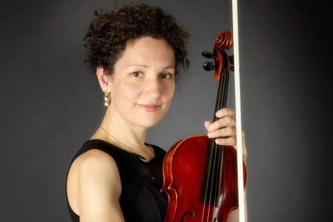 Die feinfühlige Viola Solistin (2)