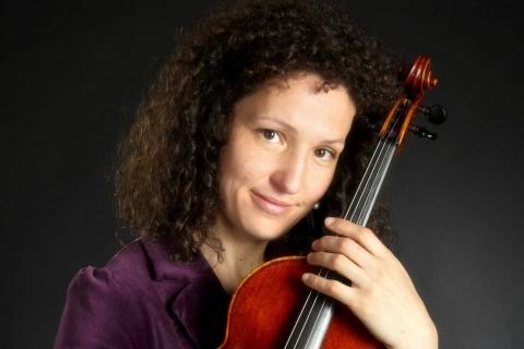 Die feinfühlige Viola Solistin (4)