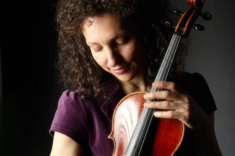 Die feinfühlige Viola Solistin (5)