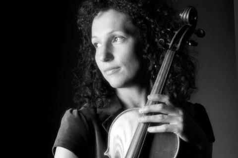 Die feinfühlige Viola Solistin (6)