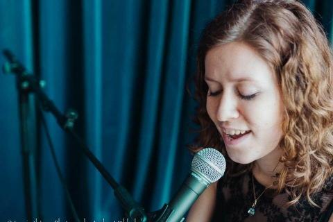 Die-gefühlvolle-Sängerin-aus-Frankfurt-2