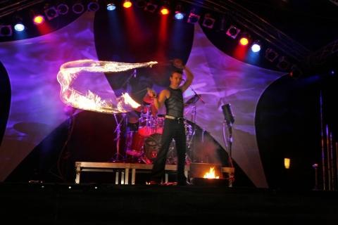 Die-grandiose-Feuershows-aus-Berlin-2