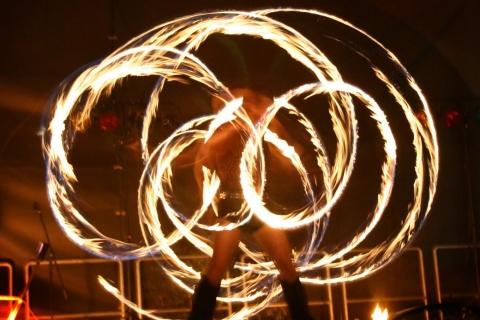 Die-grandiose-Feuershows-aus-Berlin-4