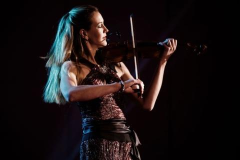 Die Magie der Geige Soloviolinistin (10)