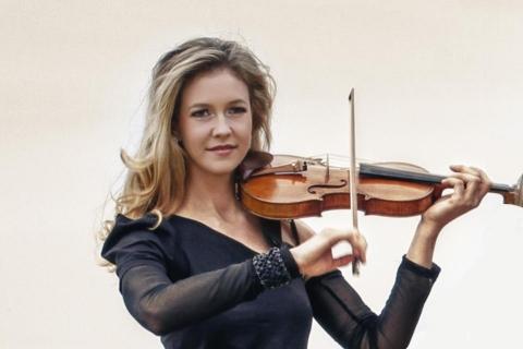 Die Magie der Geige Soloviolinistin (7)