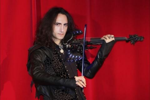 Die Show der tanzenden Geigen  (8)