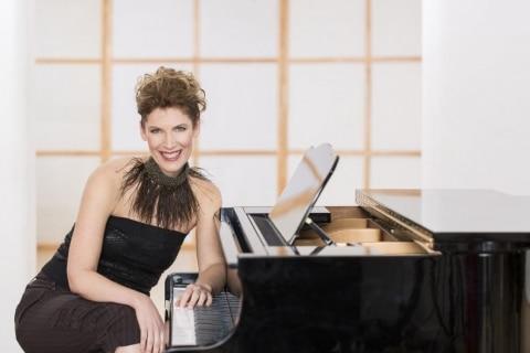 Die singende Pianistin aus Köln (2)