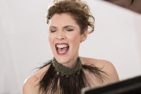 Die singende Pianistin aus Köln (4)
