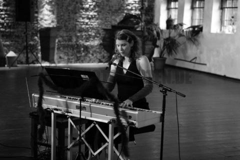 Die singende Pianistin aus Köln (9)