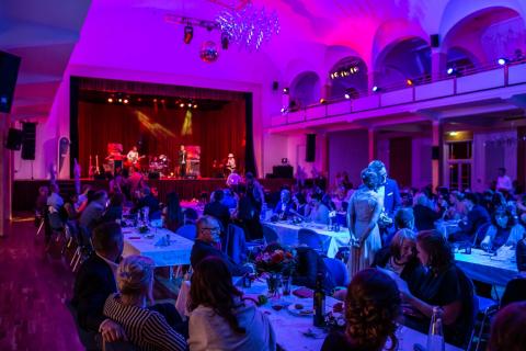 Die-stimmungsvolle-Partyband-aus-Leipzig-3