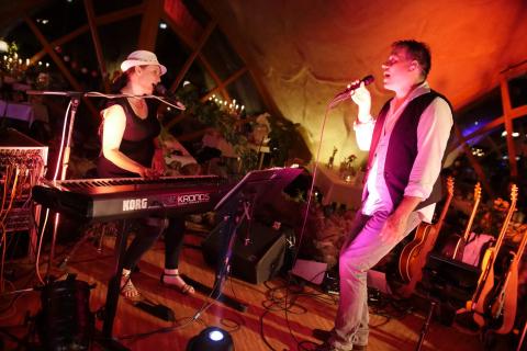 Die-stimmungsvolle-Partyband-aus-Leipzig-4