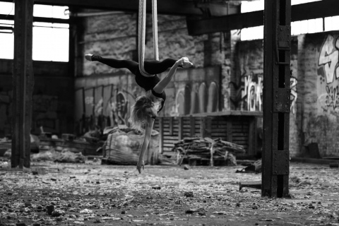 Die-Tänzerin-und-Luftakrobatin-aus-Aachen-6
